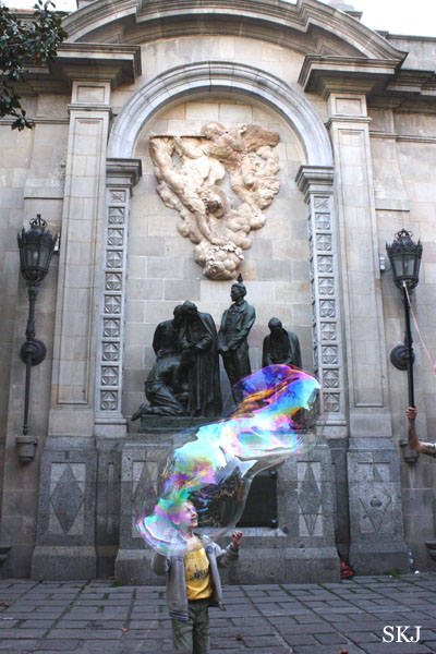 Giant bubble in Gothic Quarter