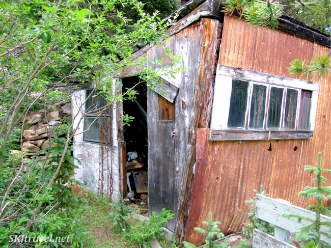 Abandoned mining cabin, Russel Gulch.